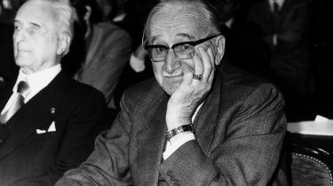 Den østrigsk-britiske økonom Friedrich Hayek førte i 1938 an i brugen af neoliberalisme som en samlebetegnelse for en politisk-ideologisk bevægelse, som ønskede at formulere en nyliberalisme og arbejde aktivt for dens ideologiske og samfundsmæssige udbredelse.