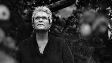Forfatteren Josefine Ottesen mener ikke, at forlagene har nok forståelse for de unge forfattere i dag