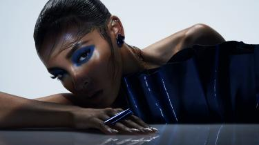 Tinashe har ligget i offentlig konflikt med sit pladeselskab under tilblivelsen af albummet 'Joyride'. Det er muligvis forklaringen på det usammenhængende udtryk.
