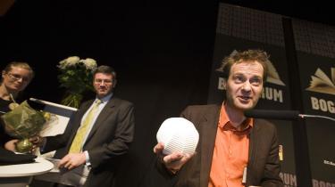 Knud Romer modtager debutantprisen i 2006.