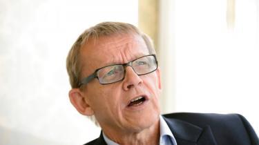 Den verdensberømte sabelsluger og taljonglør Hans Rosling døde sidste år. Han efterlader sig en bog, hvor han konstaterer, at klodens sande tilstand er meget bedre end sit rygte. Og han opremser de menneskelige instinkter, der forhindrer os i at indse det. Men Rosling kunne også være en besværlig herre, forklarer hans svigerdatter og en dansk tv-vært