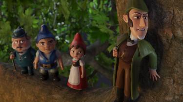 Sherlock Gnomes er på sporet af forsvundne havenisser sammen med Julie, Gnomeo og Doktor Watson i den animerede 'Sherlock Gnomes'.