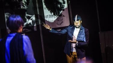 Michael Wilson, der er gæstende ph.d.-studerende ved Københavns Universitet, kritiserede Teater Sort/ Hvids forestilling 'White Nigger/ Black Madonna' for racial voldpå et arrangement arrangeret af teatret.