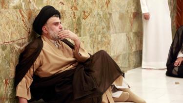 »Det kan godt være, at Moqtada al-Sadr har lovet forandring, men på et eller andet tidspunkt vil han måske indse, at man ikke kan gennemføre reformer uden at erklære krig mod den gamle elite, der er fast besluttet på at bevare sine privilegier.« skriver Waleed Safi.
