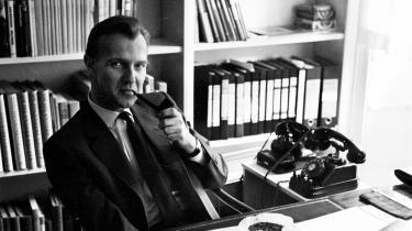 »Maaske har de sidste dages vidunderlige og ufattelige krigshandlinger faaet nyt blod til at strømme i det store germanske legeme,« skrev forfatter Ole Wivel i et brev i sommeren 1941.  I dag udkommer dele af Wivels brevveksling med vennen og billedkunstneren Sven Havsteen- Mikkelsen.