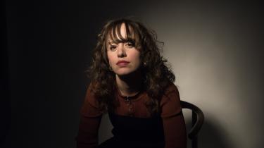 Olga Ravn har med sci-fi-romanen 'De ansatte' endnu en gang formået at overraske som forfatter.