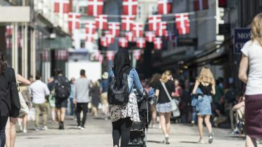 Det er fra de unge danske muslimer, et moderne bud på islam skal komme fra – ikke fra deres forældre, skriver journalist Mette-Line Thorup.