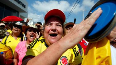 Søndag går Colombia til valg. En del vælgere er stadig utilfredse med regeringens fredsaftale med guerillabevægelsen FARC. Aftalen blev indgået i 2016, hvor flere gik på gaden for at protestere imod den.