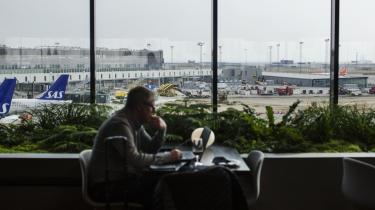 Kastrup Lufthavn har netop indrettet nye venteområder til det stadigt stigende antal rejsende. Flytrafikkens omfang er én af de tungeste poster i vækstøkonomiens store klimaregning.