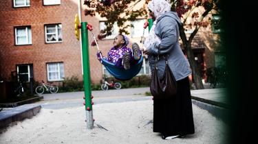 Som en del af regeringens ghettoplan skal et læringstilbud på 25 timer ugentligt fremover være obligatorisk for børn ned til etårsalderen, som bor i udsatte boligområder.