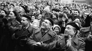 Efter 'foråret i Prag', efter den ny statsleder Alexander Dubčeks omfattende krav, havde Moskva bedt landene i Warszawa-pagten om assistance til at slå det tjekkoslovakiske oprør ned.