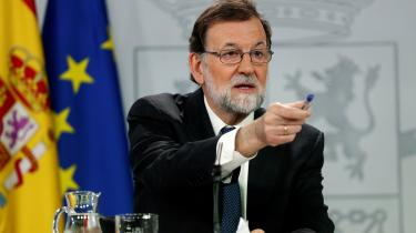 Det spanske socialdemokrati PSOE udstede fredag i sidste uge etmistillidsvotum, fremsatmod Mariano Rajoy, leder af det konservative regeringsparti Partido Popular (PP).