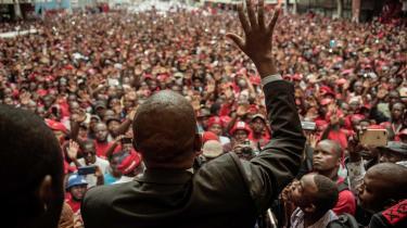 Oppositionslederen Nelson Chamisa er på kort tid vokset kraftigt som en seriøs udfordrer af ZANU-PFs greb om magten – ikke mindst ved brug af de evner, han har opnået som vækkelsesprædikant.