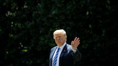 'Washington Post har opgjort, at Trump i sine første 466 dage som præsident har fremsat 3.001 falske eller misvisende påstande. Hermed bidrager han til en generel utryghed og forvirring omkring, hvad der er virkelighed og fiktion og til en grundlæggende tvivl omkring, hvem vi kan stole på.' skriver dagens kronikør.