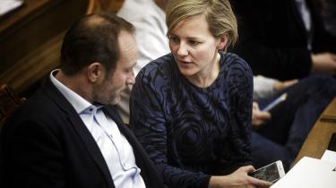 Hvis et parti bliver hacket, og oplysninger bliver lækket »med det formål at benytte dem til at underminere eller fremme bestemte kandidater«, skal de andre partier afstå fra at gøre brug af det i valgkampen, mener Martin Lidegaard og Ida Auken