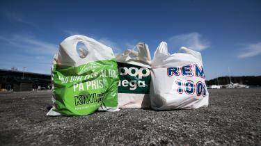 Supermarkederne er kommet på banen med grønne strategier for en indsats mod verdens affaldsforurening.