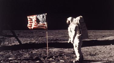 Ville vi blindt tro på det, hvis russerne i morgen sagde, at de havde besøgt Mars? Ville vi, hvis det var amerikanerne? I dag vurderes alt ud fra afsenderens omdømme