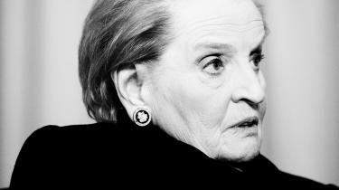 Madeleine Albright, USA's udenrigsminister fra 1997 til 2001, advarer i sin nye bog 'Fascisme – en advarsel' om, at fascismen kan vise sit ansigt i selv stærke demokratier som USA's. I et interview med Information uddyber hun, hvordan Trump tager afgørende skridt hen imod at afvikle demokratiet