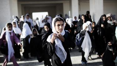 Næsten halvdelen af alle afghanske børn ikke går i skole. Og i nogle provinser er det helt op til 85 procent af pigerne, der ikke kommer i skole.