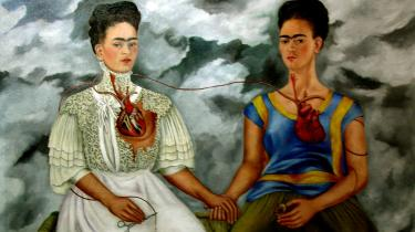 Surrealismens superfar André Breton ville have Frida Kahlo til at være surrealist. Alle skulle passe ind i hans formel, men det var Frida Kahlo nu ikke nødvendigvis.