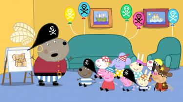 Bedstefar Hund har taget det på sig at lave pirattema og skattejagt og overgør fuldstændig sin rolle som Kaptajn Langskæg og taler piratsprog, som børnene ikke forstår.