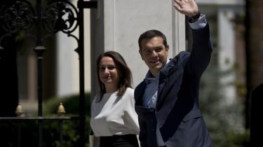 Den græske premierminister Alexis Tsipras forlader Præsidentpaladset i Athen efter at have lavet aftale med landets EU-kreditorer.