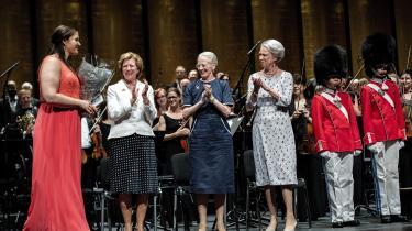 Operasangeren Lise Davidsen får overrakt Dronning Ingrids Hæderslegater 2018 af Dronning Margrethe, Prinsesse Benedikte og Dronning Anne-Marie i Tivoli søndag.