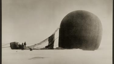 Nils Strindberg, 14/7 1897, Örnen efter landingen. Ur serien Ingenjör Andrées luftfärd, 1897/1930