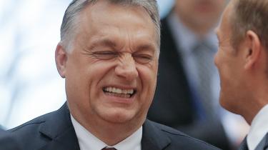 Mens Tyskland og Frankrig i denne uge øgede presset på den polske regering, tog et flertal i EU-Parlamentet fat på Ungarn. Begge lande svækker i disse år centrale demokratiske organer som frie medier og uafhængige domstole. Det rejser spørgsmålet, om EU har ret og legitimitet til at sikre demokratiet i sine egne medlemsstater
