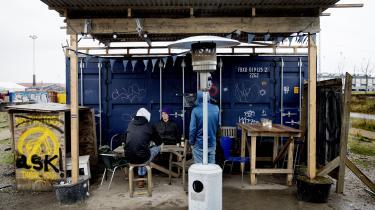 Det er blevet vanskeligere at komme op ad den sociale rangstige for udsatte – som her ved godsbaneområdet i Aarhus. Det viser en ny undersøgelse fra AE-Rådet.