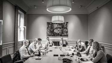Direktionsmøde i Danske Bank med blandt andet administrerende direktør Thomas Borgen (th.). Skandalen om bankens hvidvaskning er i denne uge vokset i omfang.