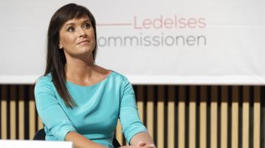 Regeringens Ledelseskommission afleverer 28 anbefalinger til minister for offentlig innovation Sophie Løhde