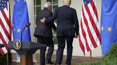 »Det er åbenlyst, at den Europæiske Union, som her bliver repræsenteret af Jean-Claude Juncker, og USA, som bliver repræsenteret af undertegnede, elsker hinanden,« skrev den amerikanske præsident Donald Trump på Twitter kort efter onsdagens topmøde i Det Hvide Hus med EU-Kommissionens formand Jean-Claude Juncker.