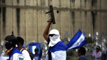 Demonstranter markerer 100 dages protester mod Nicaraguas præsident.