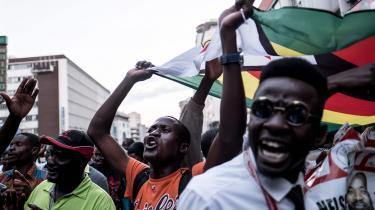 Valget i Zimbabwe er ikke en kamp mellem den onde og den gode, den diktatoriske og den demokratiske. Begge førende præsidentkandidater er blevet deres partis spidskandidat ved udemokratiske metoder, og det ville være mirakuløst, hvis en sejr ved valget skulle gøre dem til bedre mennesker.
