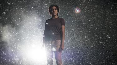 På sin flugt fra alle voksne møder Ruby (Amandla Stenberg) et slæng af teenagere, der kører rundt i en kassevogn og hjælper hinanden med at overleve.