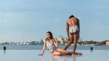 Copenhagen Summer Dance funkler i solen på den nye dansescene på Ofelia Plads med både cubanske dansere og Alban Lendorf som gæster. Mere af det!