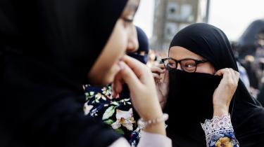 Mange på venstrefløjen bekymrer sig ikke det fjerneste om kvindeundertrykkelse i muslimske miljøer og har slet ikke sat sig ind, hvad burkaen står for, skriver dagens kronikør
