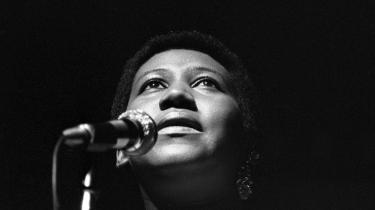 Souldronningen Aretha Franklin er død sit hjem i Detroit. Hun led af kræft i bugspytkirtlen