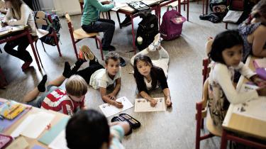Dethar netop været første skoledag på rundt i landet. Og en række nyheder har været fremme om færre elever og lærere. Vi har talt med en række kendere af skolen om, hvordan den kommer ud af sin krise – hvis den da er i krise.