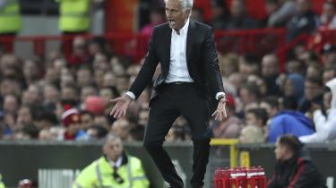 Mourinho giver ikke en flyvende fis for mantraet om, at man så vidt muligt skal optræde som et forbillede for andre. Tværtimod har han gennem hele sin karriere gjort det at yppe kiv til en kunstart.