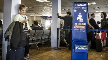 Flyrejsens effektivitet og billige billetter gør densværat fravælge.
