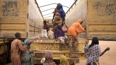 I Agadez i Niger har en målrettet indsats mod migrationsbranchen forandret samfundet. På billedet ses migranter, der er blevet afvist ved den algeriske grænse.