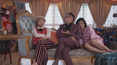 'Crazy Rich Asians' vil gerne være en del af en bevægelse, der arbejder for at øge diversiteten i filmbranchen, men selvom filmen foregår i Singapore, hvor kinesere, malaysiere og indere udgør de største befolkningsgrupper, er der udelukkende rige kinesere i centrum.