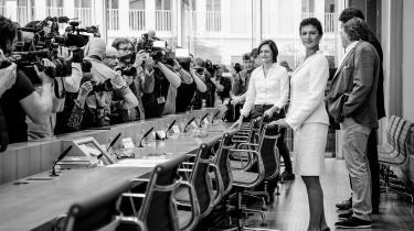 Tirsdag fik Tyskland endelig nogle svar på, hvad den venstreorienterede samlingsbevægelse Aufstehen er for en størrelse. Sahra Wagenknecht fra Die Linke stod som ventet i centrum, men både hun og de øvrige paneldeltagere kæmpede for at formidle et budskab: at man vil skabe en ny social og basisdemokratisk bevægelse, der skal rykke det tyske partilandskab mod venstre og samle venstrefløjspartierne.