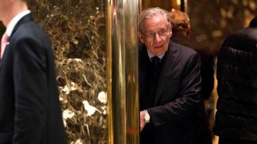 Den amerikanske stjernejournalist Bob Woodward, der med sine Watergate-afsløringer fældede præsident Nixon, fortæller i ny bog om præsident Trump om kaotiske og dysfunktionelle tilstande i Det Hvide Hus med flittig brug af insiderkilder