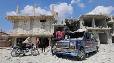 Russiske fly og syriske regeringsstyrker har de seneste dage bombet Idlib, som er den sidste oprørskontrollerede provins i Syrien. En praksisændring i Flygtningenævnet kan betyde, at statsløse palæstinensere fra det krigshærgede land får stærkere opholdsgrundlag i Danmark.