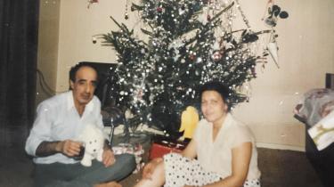 Min far forstod aldrig, hvorfor naboerne i Danmark ikke hilste på hinanden og ignorerede hans 'godmorgen', men han lærte med tiden, at grænsen for kommunikation gik ved et nik over hækken, skriver Silvana Mouazan.