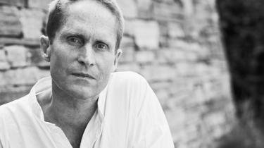 Peter Høeg er aktuel med den nye bog'Gennem dine øjne'.
