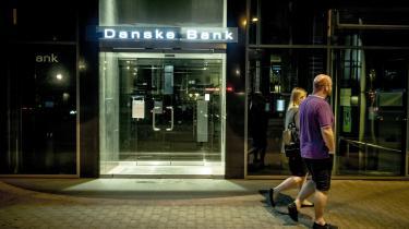 Ti år efter finanskrisen fortsætter storbankernes grådighed. Mærkedagen bør derfor være startskud til en ny bølge af bankskift – væk fra banker med samfundsskadelig adfærd